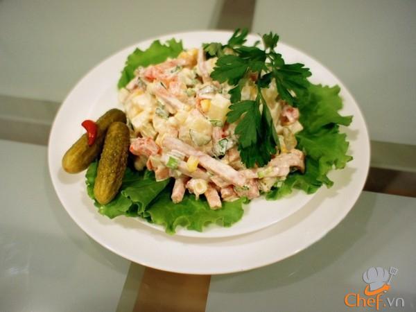 Cách chế biến salad Nga vị dứa tuyệt thơm
